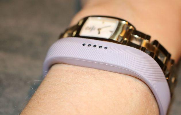 Le bracelet connecté Flex 2 de Fitbit