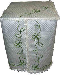 """Une machine à laver turque """"en robe de chambre satin blanc""""..."""
