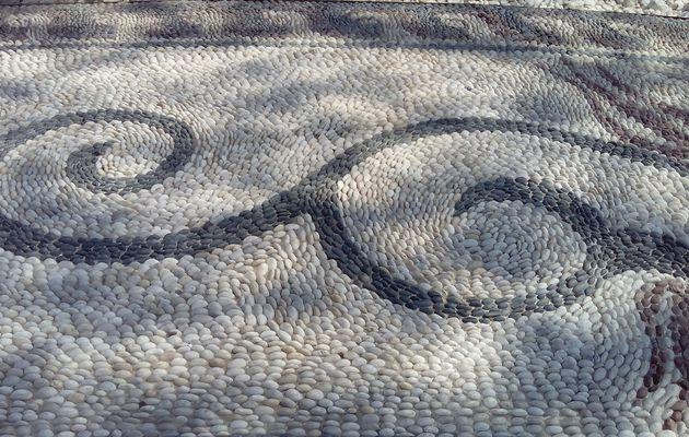 Le podima : mosaïque de pierre du village de Podima