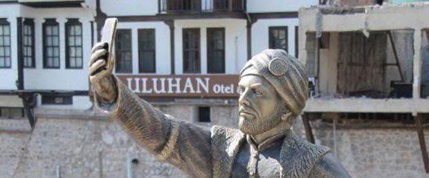 Le selfie du Prince d'Amasya en péril ....