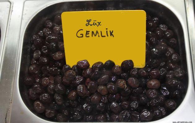 """L'olive de Gemlik et sa suberbe """" sculpture""""...."""