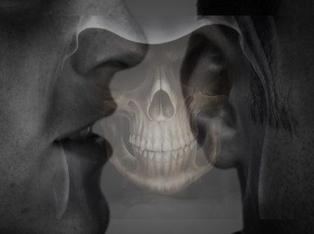 Si une personne te rapporte souvent du mal qui a été dit à ton sujet par d'autres.