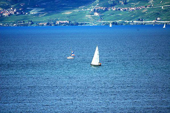 Sailing on an azure lake