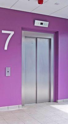 Episode 832. L'ascenseur