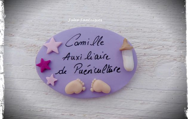 Badge pour Camille, auxiliaire de puériculture