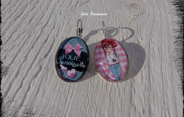 Petites boucles d'oreille girly