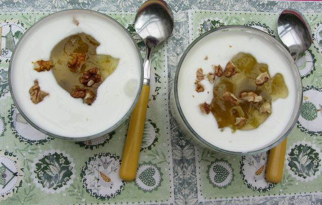 Yaourt banane, kiwi et noix