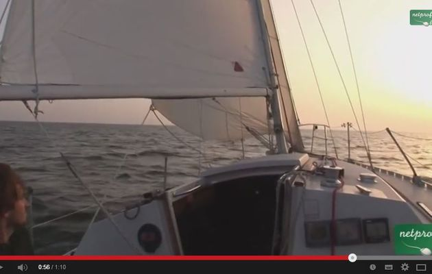 VIDEO cours de voile - le largue