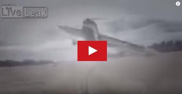 VIDEO - hallucinant, un avion évite de justesse un hors-bord sur un fleuve