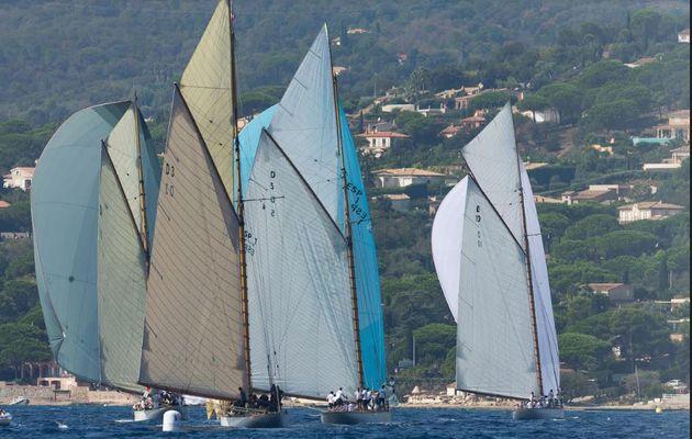 Débuts en fanfare aux Voiles de Saint-Tropez, pour les Wally et 15m JI