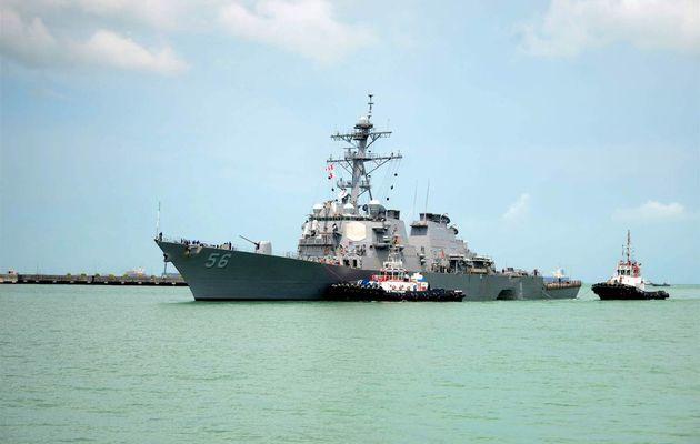 Nouvelle collision d'un destroyer américain en Asie du Sud-Est; 10 disparus, l'amiral de la 7ème Flotte limogé