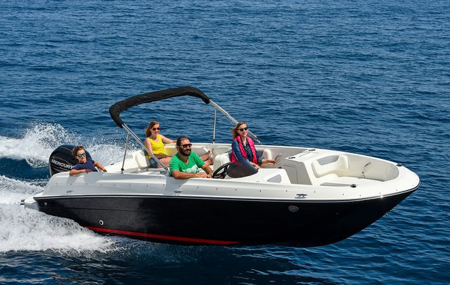 Element E7, le bow-rider familial de Bayliner !