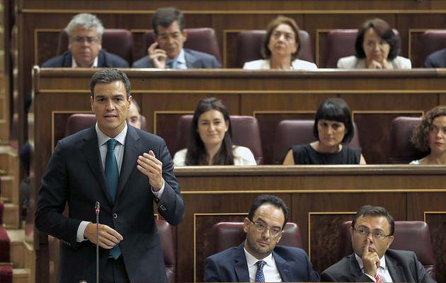 """El PSOE rechaza pactar con el """"partido de la corrupción"""""""