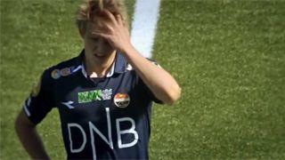 Il, c'est la nouvelle pépite du foot mondial, à 16 ans, il est le plus jeune joueur au monde