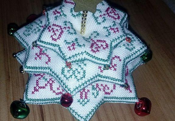 Biscornu de Noël