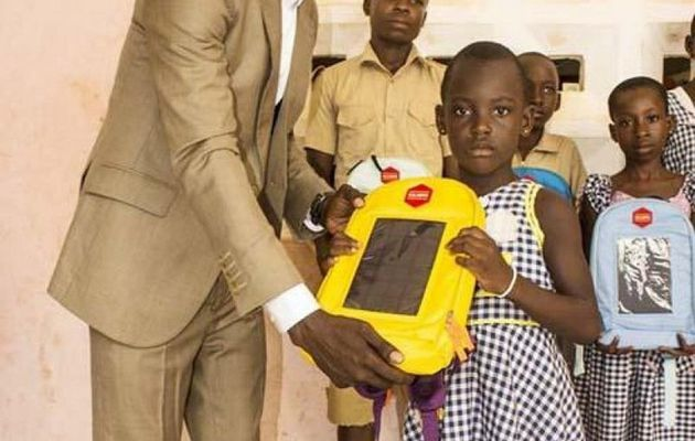 Evariste Akoumian, inventeur de la cartable solaire