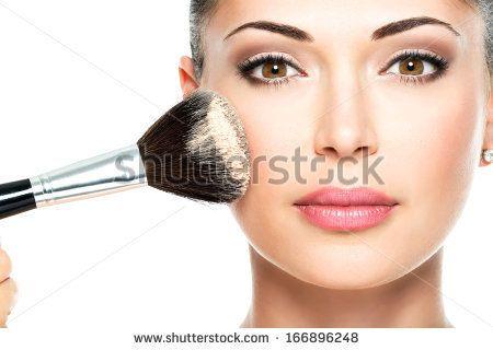 Choisissez votre maquillage en fonction de votre visage