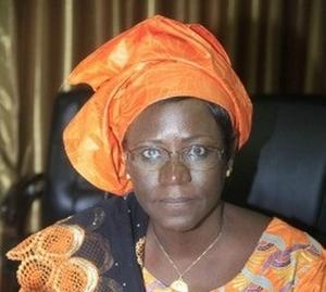 MALI:Détérioration rapide des bâtiments de CSREF : Dr Marie Madeleine Togo en colère contre le génie civil !