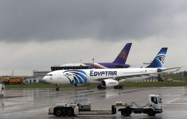 Vol Paris-Le Caire: les enquêteurs français démentent la piste d'une explosion