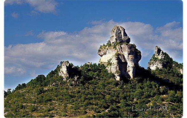 Le Rocher de Capluc, au bout du Causse Méjean