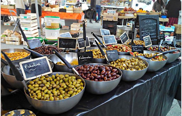 Jour de Marché : Tapenades, Olives and co...