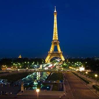 PARIS S' ÉVEILLE LE 13 NOVEMBRE