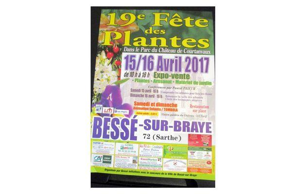 Bessé-sur-Braye : Courtanvaux côté jardin
