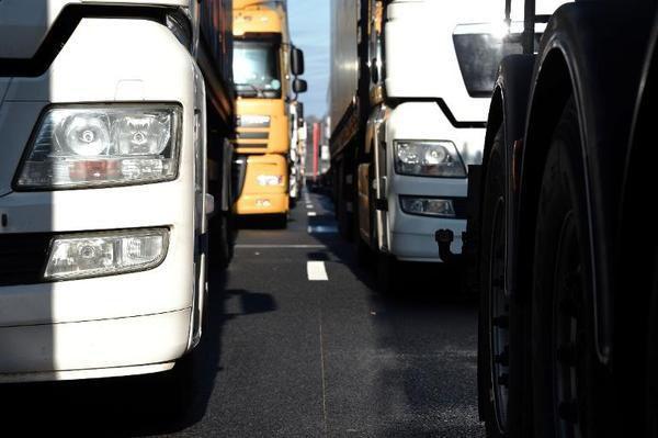 Deuxième jour de grève dans les transports: la mobilisation ne faiblit pas !