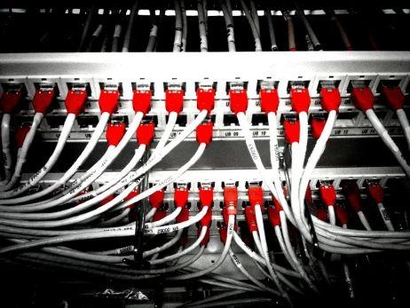Internet : la concurrence bloque la montée en débit.
