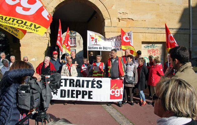 1er octobre 2015: une centaine de retraités rassemblés à Dieppe
