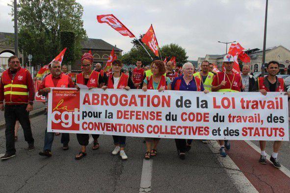 15 septembre 2016: 500 personnes ont défilé pour l'abrogation de la loi Travail