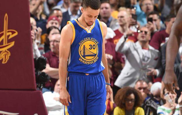 Stephen Curry endosse la responsabilité de la lourde défaite des Warriors