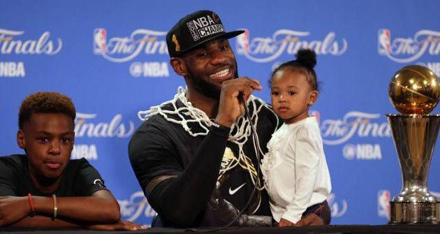 """LeBron James: """" C'est encore plus spécial parce que je viens de l'Ohio """""""