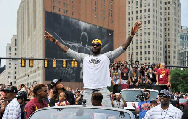 LeBron James n'active pas son option