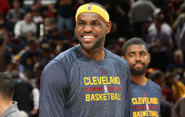 """LeBron James : """" Je veux juste vous faire savoir que je re-signe avec les Cleveland Cavaliers """""""