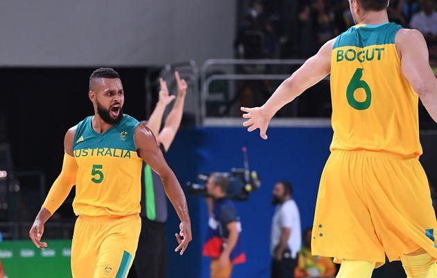 JO : L'Australie donne une leçon à la Lituanie et rejoint le dernier carré