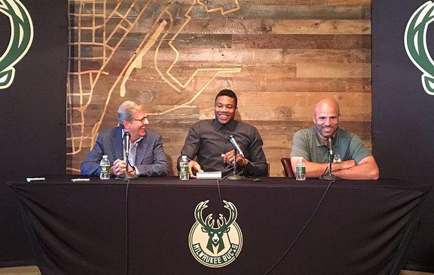 """Giannis Antetokounmpo : """" Je veux faire de Milwaukee, une grande équipe """""""