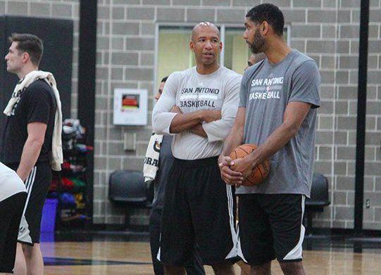 Tim Duncan déjà présent à l'entraînement des Spurs