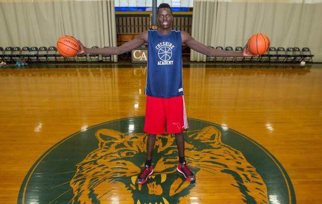 A 16 ans pour 2.20 m, Chol Marial (Sud Soudan) est le plus gros potentiel du basket américain