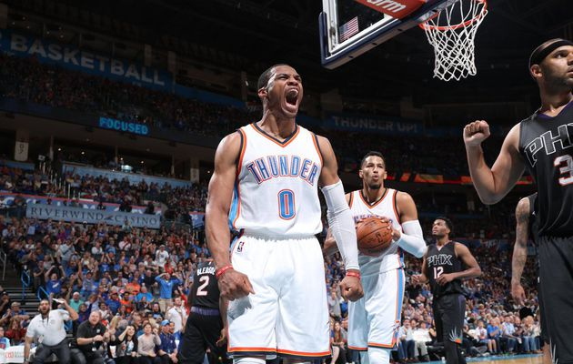 Russell Westbrook guide OKC avec une performance de mammouth (51 points, 13 rebonds et 10 passes)