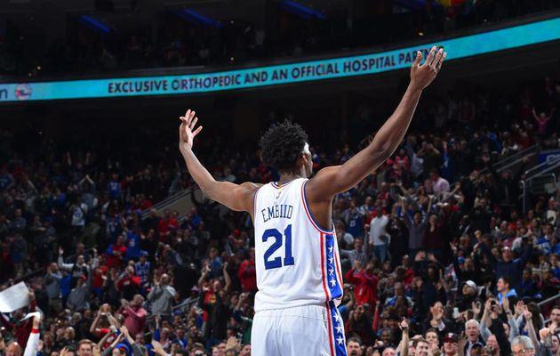 Le Top 10 de la nuit en NBA : Joel Embiid en mode show-time