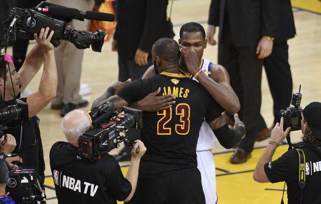 LeBron James :  « Non je ne suis pas heureux qu'il ait gagné son premier titre »