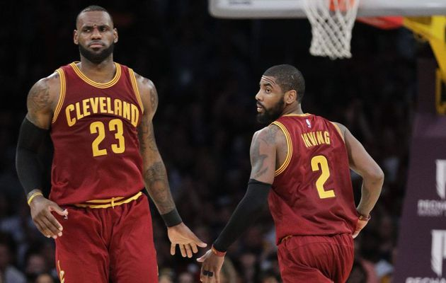 Kyrie Irving et LeBron James auraient eu une discussion en face à face