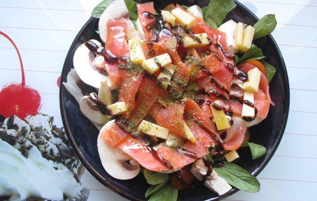 Salade au saumon fumé et crudités - fraîcheur