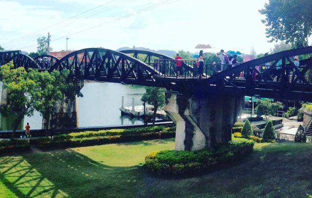 Le pont de la rivière kwaï Découvrez la province de #kanchanaburi avec SAWADI SAIYOK www.sawadi-saiyok.com #riverkwaibridge #thailande #vacances