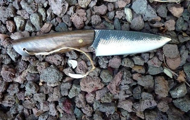 Un superbe couteau droit de Frédéric Marchand...