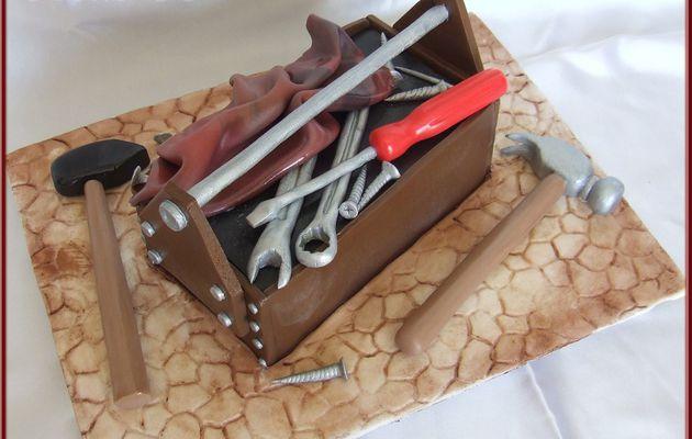 Tutoriel : gâteau caisse à outils en 3D...