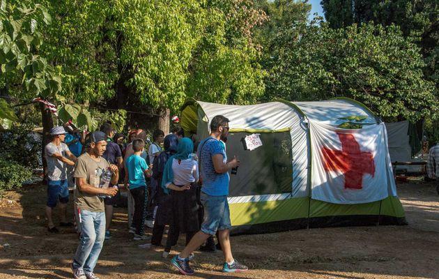 Grèce/Migrants : Positions et actions du syndicat PAME, proche du PC grec KKE.
