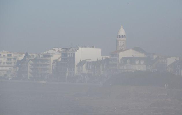 Brume d'Octobre sur la baie des Sables