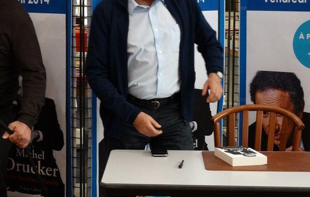 Photos dédicaces de Michel Drucker à Olonne sur Mer